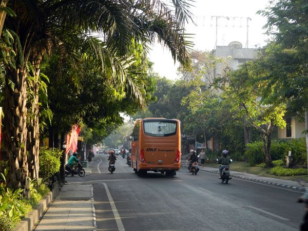 Denpasar Bali: The Land of Art:::::All of you who often spent holiday in Bali should have realized the existence of Denpasar, the capital city of Bali. As capital city