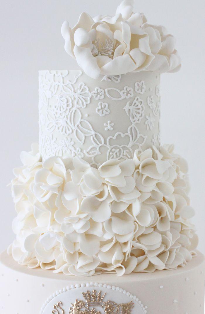 Wedding ● Cake ● White