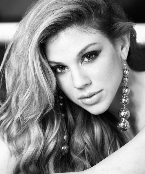 Kate Mansi picture #4 of 10