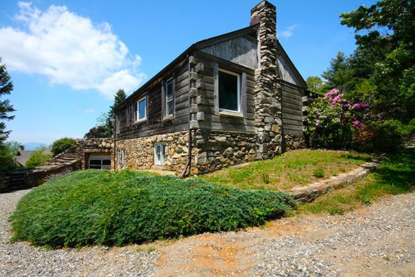 7 Rustic Log Homes for Sale - Historic Homes for Sale - Country Living