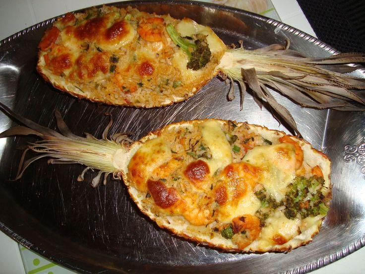 Receita de Camarão no abacaxi. Enviada por Rosane santos vargas e demora apenas 70 minutos.