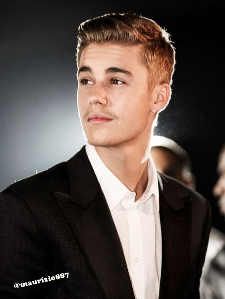 Even though I've never liked his music much he has gotten much better looking as he's gotten older.