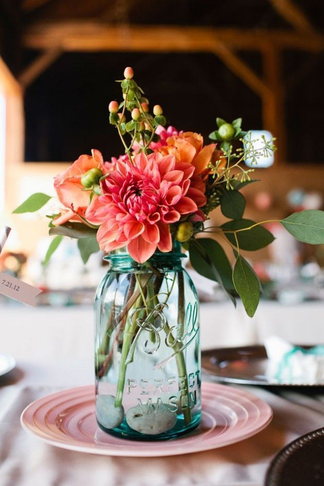 Breathtaking 25 Amazing Coral flower centerpieces https://www.weddingtopia.co/2018/02/01/25-amazing-coral-flower-centerpieces/ Be sure to clean any messes or drips before you set the flowers back in the vase