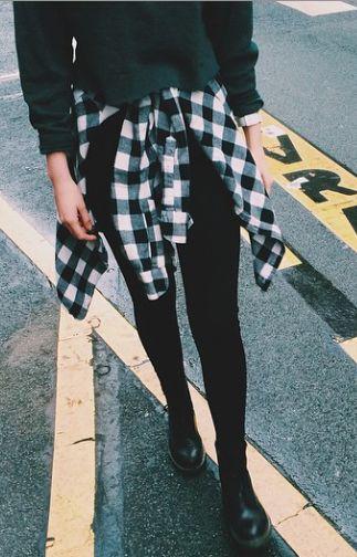 Chemise à la taille, instagram Brandy Melville Europe.