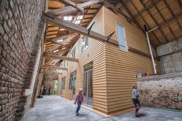 Die Alten Wande Der Scheune Blieben Stehen Haus In 2019 Scheune