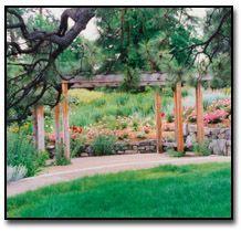 Summerland Ornamental Gardens | So worth visiting in BC!