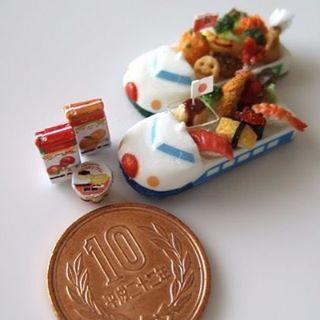 5月5日は こどもの日。shibazukeparipariのミニチュア。過去作。 1/12サイズ ミニチュア 新幹線のお子様ランチ。 樹脂粘土、レジン等で制作。 #ミニチュア #フェイクフード #新幹線 #ハンドメイド #食品サンプル #お子様ランチ #ミニチュアフード #お子さまランチ #こどもの日 #寿司 #ドール #粘土 #レジン #miniature #clay #resin #fake #handmade #sushi #doll #shinkansen #food