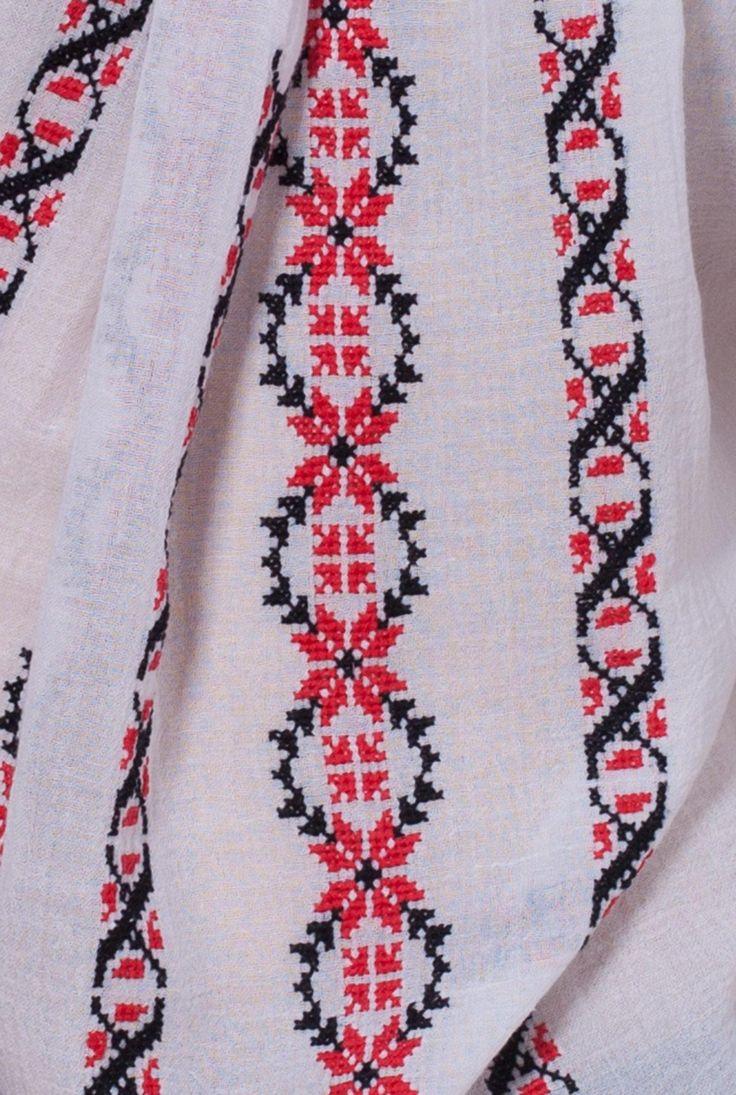 Ie traditionala lucrata manual cu broderie negru si rosu LIL009 de la Ama Fashion