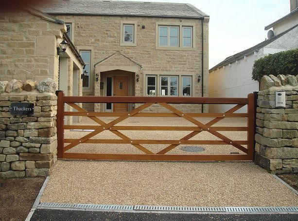 Iroko Five Bar automatic sliding gate