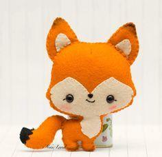 Ce patron de couture main PDF vous donnera instructions et patrons pour rendre le renard sur la photo    Taille: 5 environ.    Langue : anglais   CE