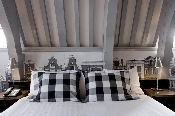 King size Hästens bed in the Hästens Junior Suite at Inntel Hotels Amsterdam Centre