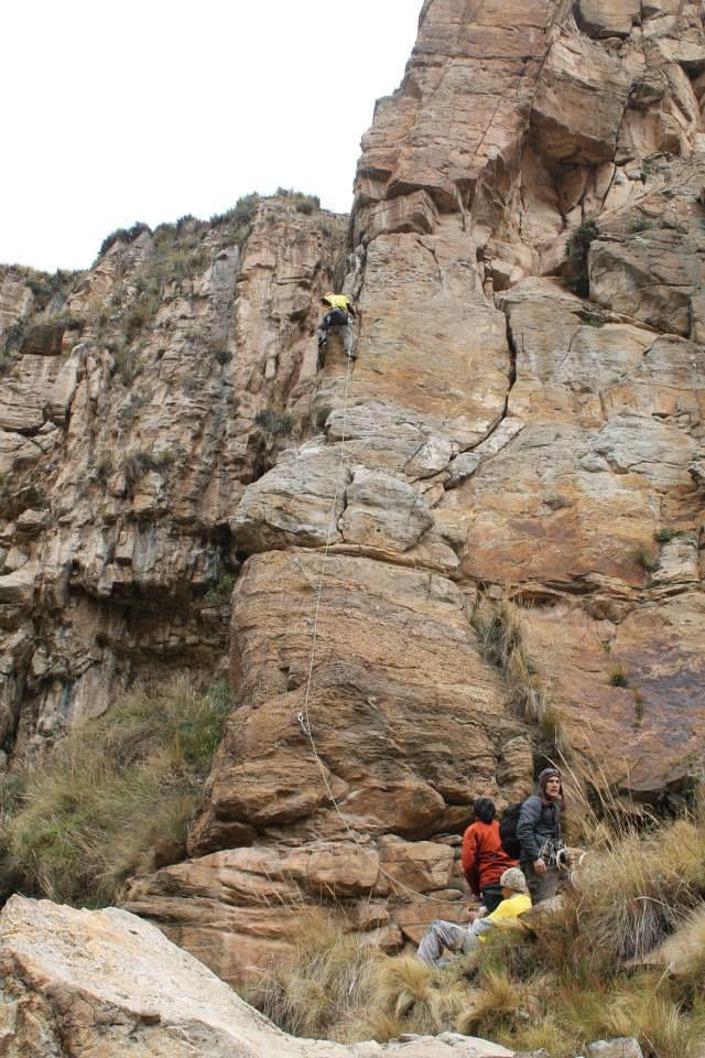 El primer evento RockFest 2014, que se desarrollo en el Valle Dorado Huayhuay albergo a más de 60 turistas... http://www.deaventura.pe/blog/varios-turistas-llegaron-al-festival-rockfest-2014-en-valle-dorado-huayhuay-la-oroya/