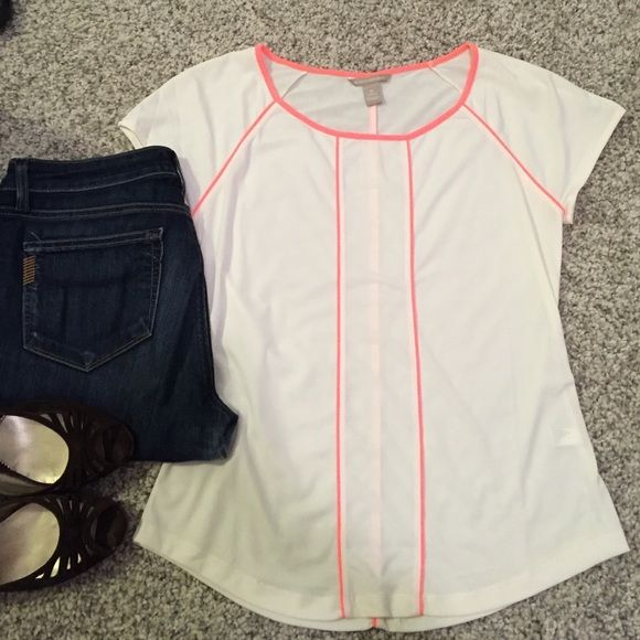 Banana Republic cream and pink neon top Cute cream top with pink neon piping detail! A little shear but can be worn to work or dressed down for the weekend! No signs of wear! Banana Republic Tops Tees - Long Sleeve