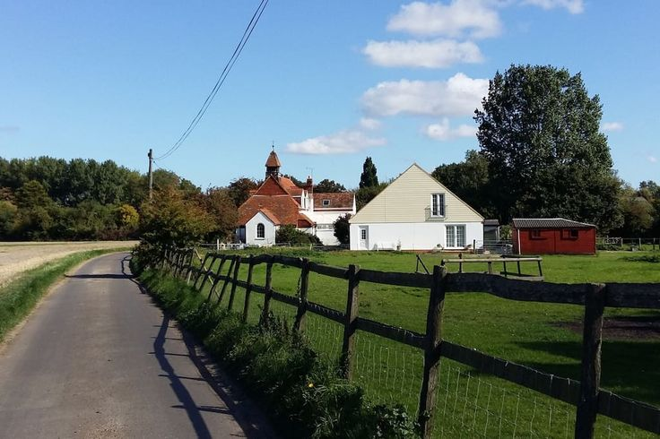 in Kent, United Kingdom. A new self contained accommodation in a rural setting amongst orchards and countryside footpaths. Ideal site for walkers, cyclist's and bird watcher's. Close to the harbour town and Beach at Whitstable and the Historic City of Canterbury.  Open pl...
