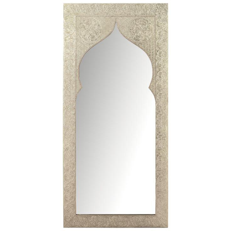 Espejo Latipur Con pizarra gris en vez de espejo. Marco pintado en plata y blanco y hacer el detalle pintado sobre el tablero pizarra. Entre la reja y el mueble bar.