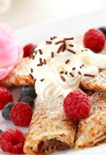 Wir wollen Pfannkuchen! Süße & herzhafte Rezepte: http://www.gofeminin.de/kochen-backen/pfannkuchen-d20802.html  #pfannkuchen