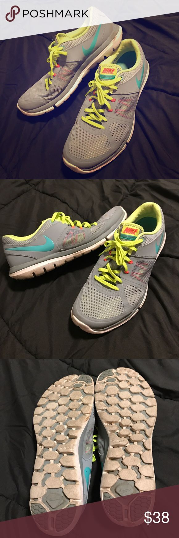 Women's nikes Women's size 12 Nike flex 2014 run tennis shoes. They've only been worn a couple of times and are in great shape! Nike Shoes Athletic Shoes