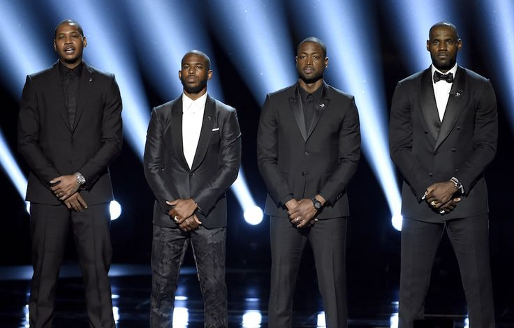 I giocatori di basket Carmelo Anthony, Chris Paul, Dwyane Wade e LeBron James – ESPY Awards, Los Angeles, 13 luglio 2016 (Chris Pizzello/Invision/AP)