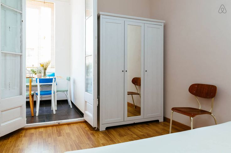 Do you need space for clothes? Open any door from the wardrobe. It's all for you!