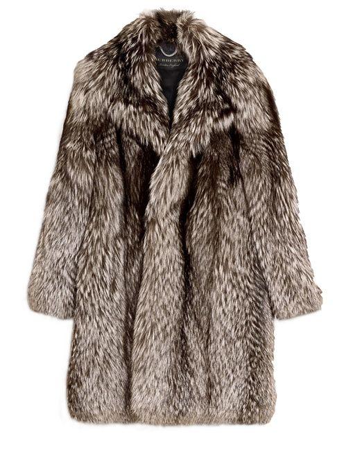 Un manteau Burberry en fourrure de renard  homme