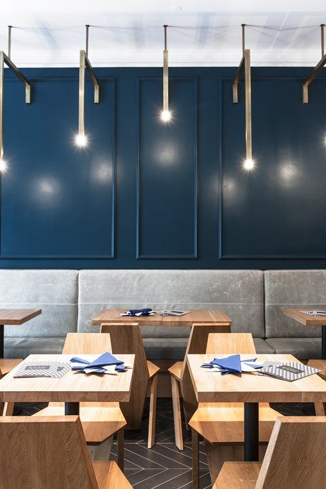 The concept is based on the idea of a fast food high-class restaurant. The codes: concrete, calacatta marble stone, brass , agua blue color, and light grey leather. Each element, such as the pizza counter and the lighting fixtures, was created and...