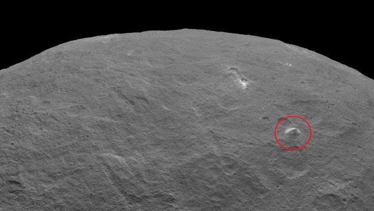 Aquilo é uma pirâmide no planeta anão Ceres