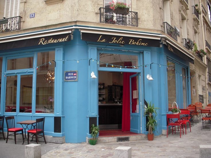 THE perfect & charming bistrot Parisian just behind Montmartre Katie,I had lunch at this place when Bill & I were in Paris and we each went our own ways one day!