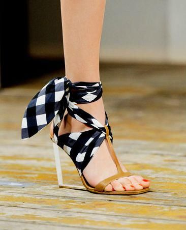 gingham. Any shoe can be dressed up with a scarves' set for these! Yes!