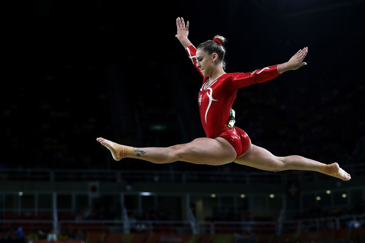 La gymnaste suisse Giulia Steingruber.   Voici les photos les plus hallucinantes…