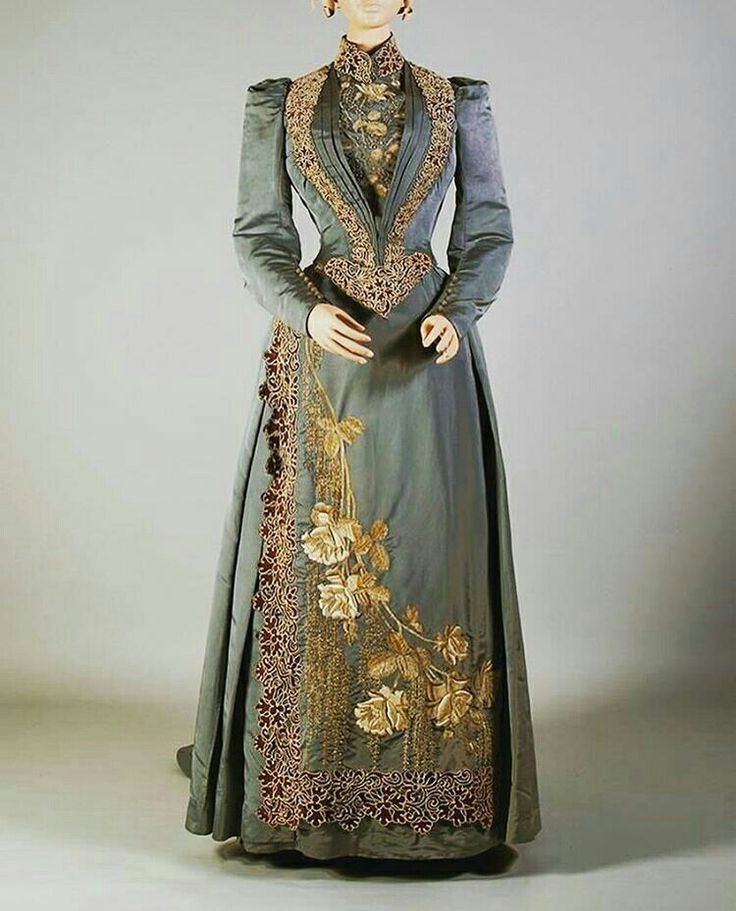 Walking dress 1890