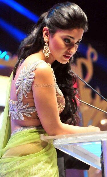 Cute Shreya.. For More: www.foundpix.com #Shreya #TeluguActress #Hot #TamilActress #ShreyaSaran