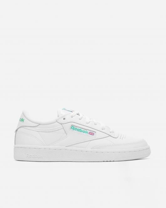 Naked - Supplying girls with sneakers - Reebok Club C 85 | NAKED