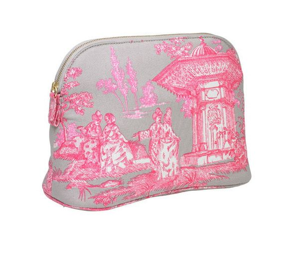 2012 Christmas Gift Guide for Her -  Haremlique Wash Bag from William and Son #christmas