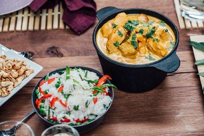 Hectorin Vain elämää -illallisella herkutellaan mausteisella currykanalla, jonka lisukkeeksi sopii basmatiriisi.