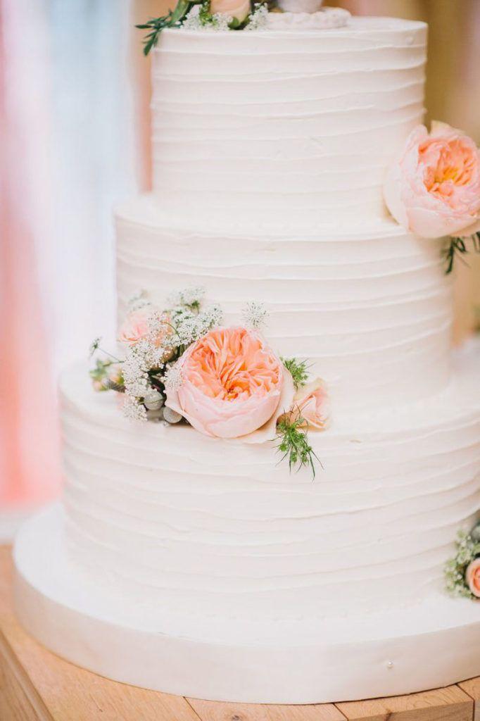 White Ercream Round Wedding Cake Lantern Fl Centerpiece By Dream Designs Florist Blush