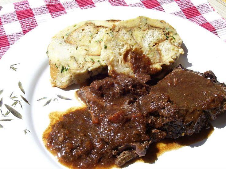 Rezept für Sauerbraten vom Reh nach Johann Lafer bei Essen und Trinken. Ein Rezept für 6 Personen. Und weitere Rezepte in den Kategorien Gemüse, Gewürze, Kräuter, Wild, Alkohol, Hauptspeise, Schmoren, Gut vorzubereiten, Raffiniert.