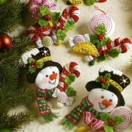 Amazon.com: Bucilla 86308 Candy Snowman Felt Applique Ornament Kit, 4-1/2-Inch by 4-1/2-Inch, Set of 6: Arts, Crafts & Sewing