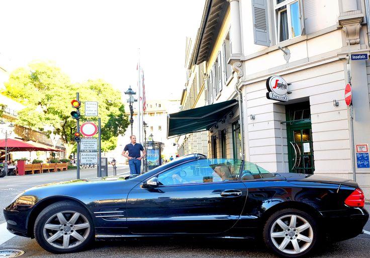 Mercedes in Baden-Baden in front of the Leo's Bar & Restaurant