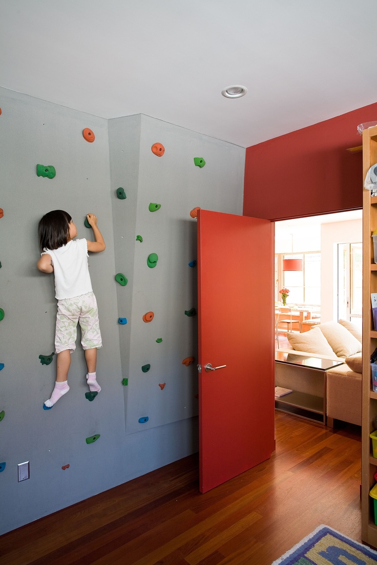 Climbing wall in child's bedroom. #kidspaces
