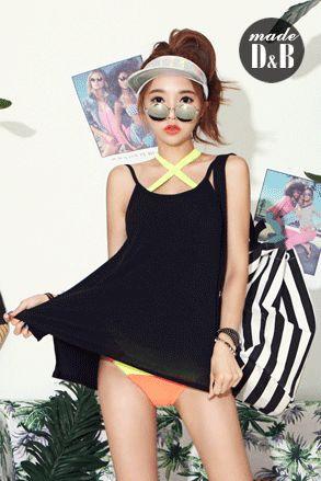 Today's Hot Pick :背中開きAラインキャミソール http://fashionstylep.com/SFSELFAA0022330/insang1jp/out 女性らしいAラインが特徴の上品なキャミソール*♪ ふんわり広がるAラインがやさしい印象で、しっかりした生地と作りが存在感をアピール。 大胆な背中開きがとてもサマーらしく、ビーチウェアに来ていただいても◎ これ一枚でストンと着られる優秀ワンピースだけど、羽織物との相性も抜群です。 身長によって着丈感が異なりますので下記の詳細サイズを参考にしてください。 ◆色: ブラック/アイボリー/ピンク
