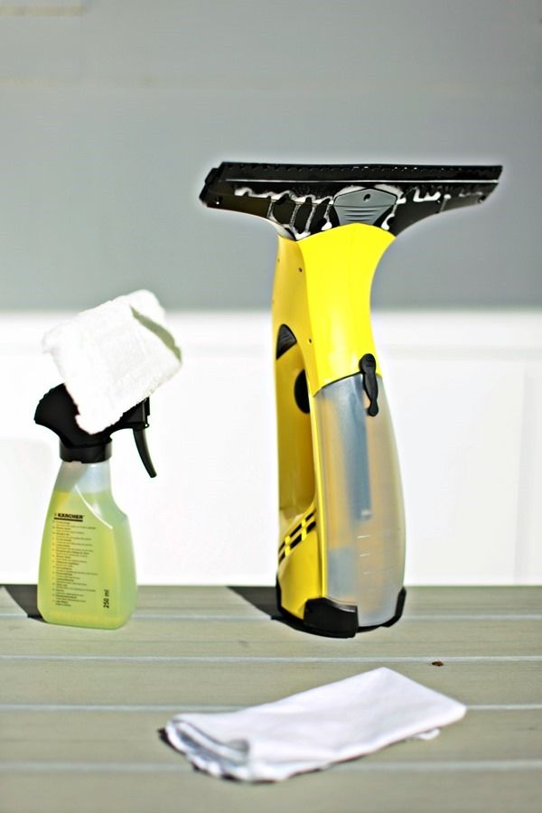 Karcher window washing tools as used by Chez Larsson.