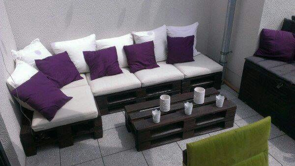 #Pallets #DIY furniture - how great does this lounge look!