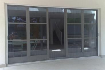 Retractable Screen Enclosure