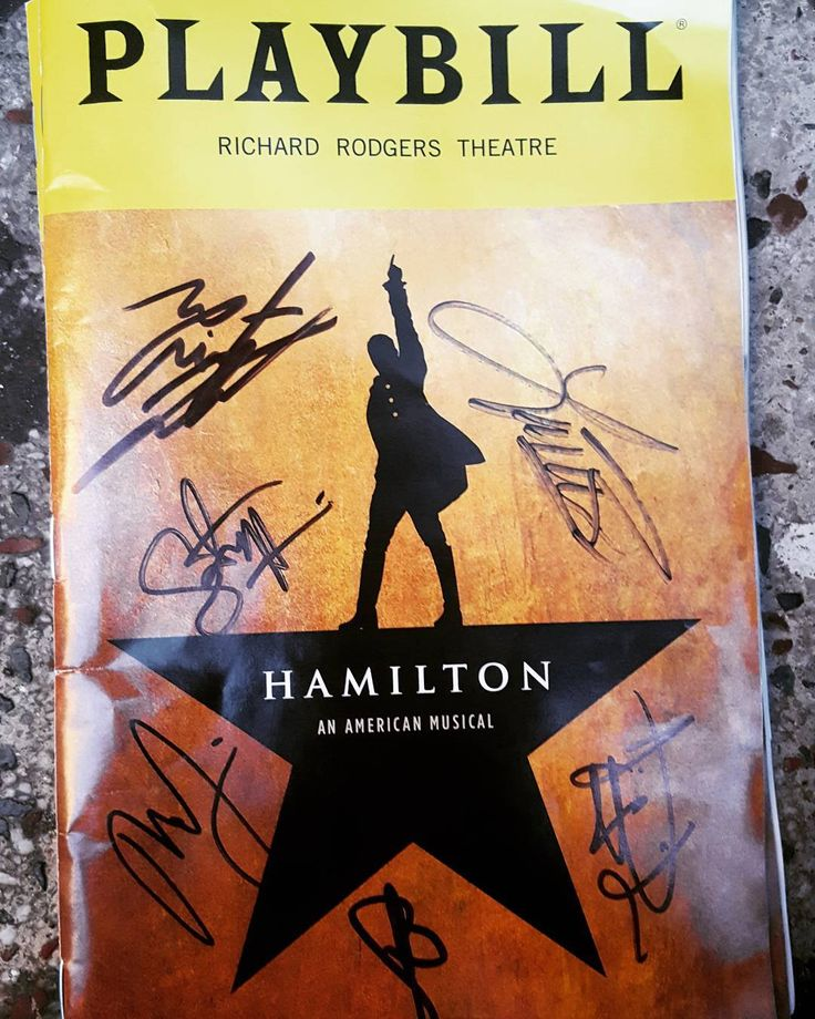 You'll be back. Da da da dat da dat da da da da ya da Da da dat dat da!  #RaiseAGlass #Hamilton #Broadway #Theater #Musical #Amazing #HamiltonBWay #autograph #stagedoor #stage #playbill #nederlander #applause #mustsee #SchuylerSisters #kinggeorge