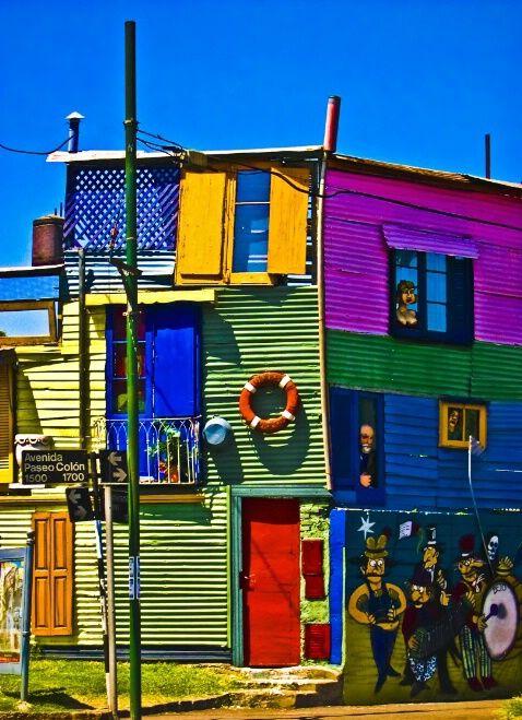 Facebook: http://www.facebook.com/argentina.buenosaires    Twitter: http://www.twitter.com/bairestuitea    House of color in La Boca, Buenos Aires