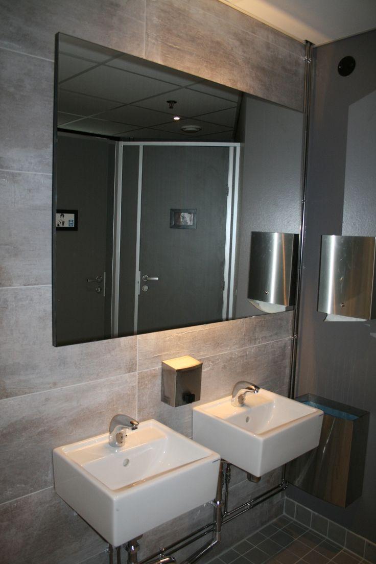 Cafe Zoceria's toilet