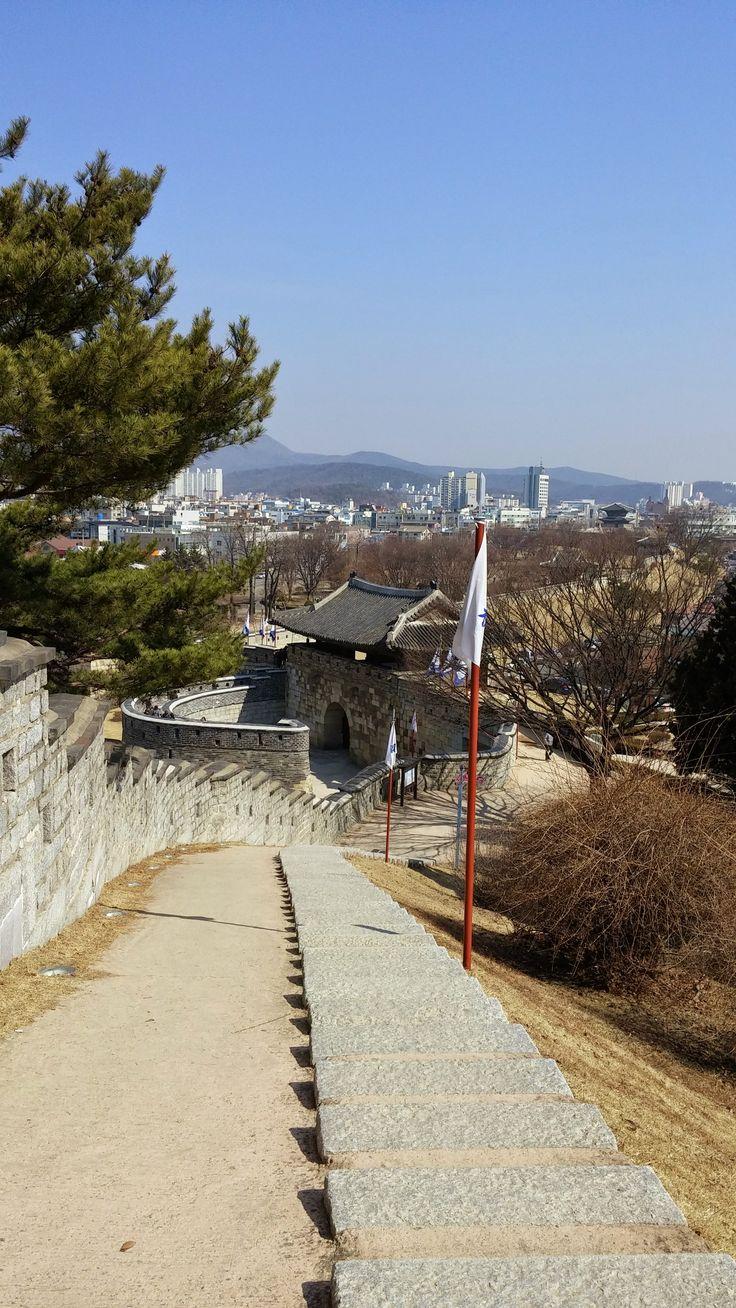 Hwaseong Fortress (수원 화성 (華城)