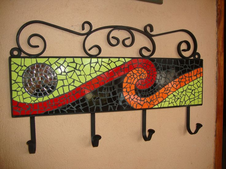 (2) Mosaiquismo. Percheros En Hierro Com Azulejos, Venecitas,etc - $ 890,00 en…