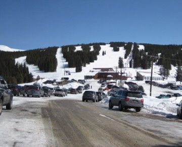 Where to ski in Colorado - A friendly guide to Colorado ski vacations, lift tickets, and all manner of Colorado ski deals.
