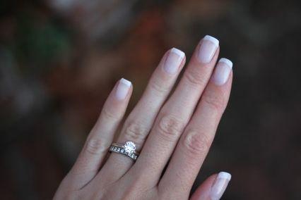 La french manucure sur des ongles carrés